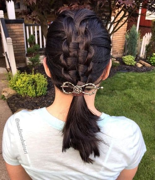 Macrame braid with lower Pony